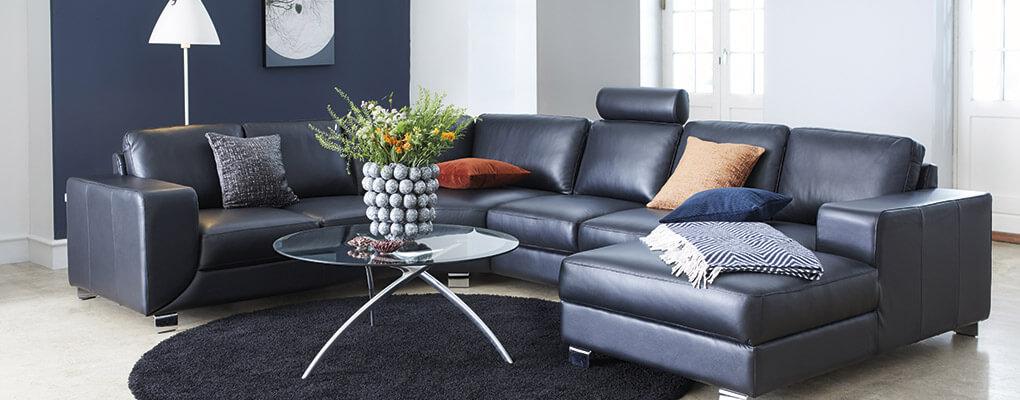 Mix din sofa med et flot sofabord i glas