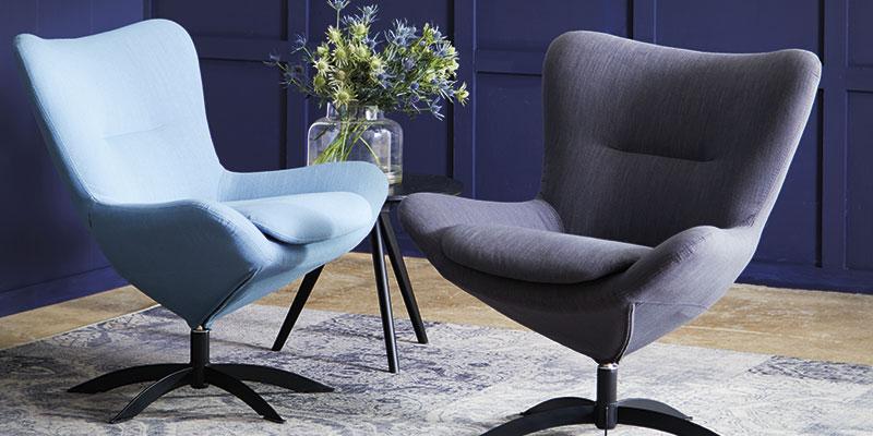 Lænestole i elegant design med stof