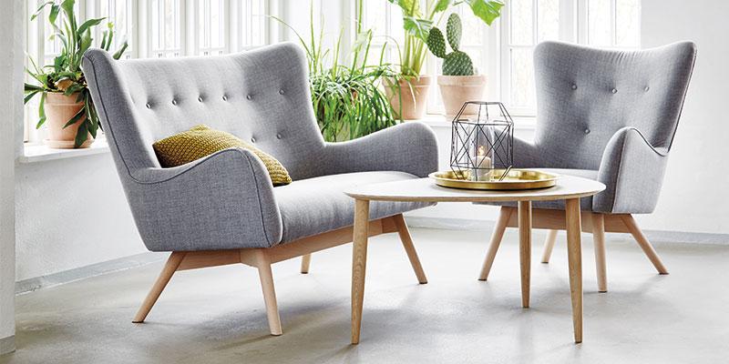 Tange sofa og lænestol i lysgrå