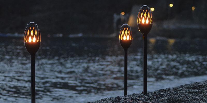 fakler til belysning i haven