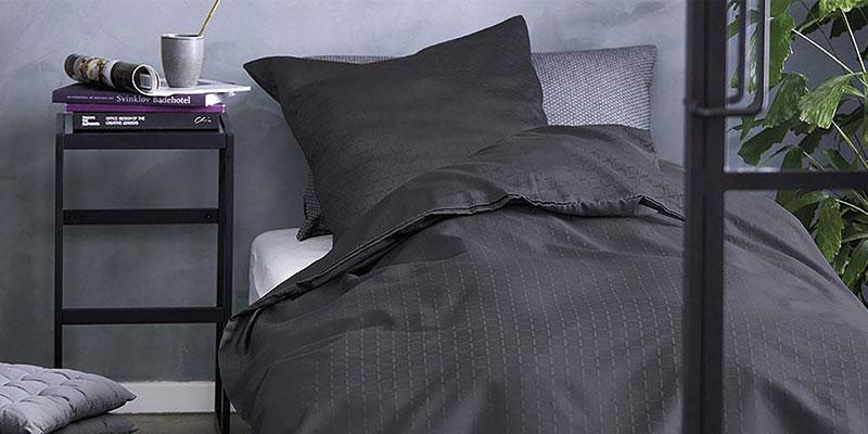 Mørkt sengetøj