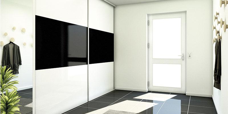 Inret garderobeskab til gangen - plads til alt overtøjet og sko