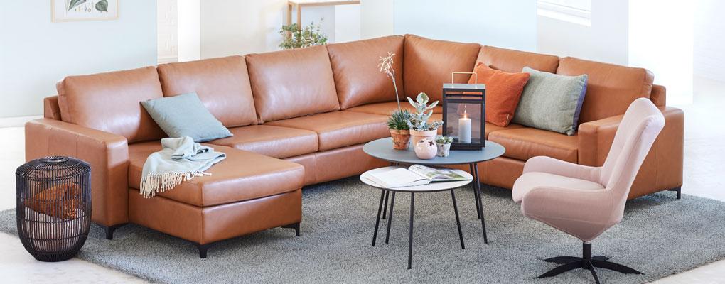 klassisk sofa fra symfoni i cognac læder